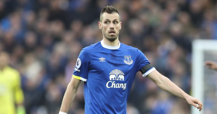 Schneiderlin denies being sent home from training