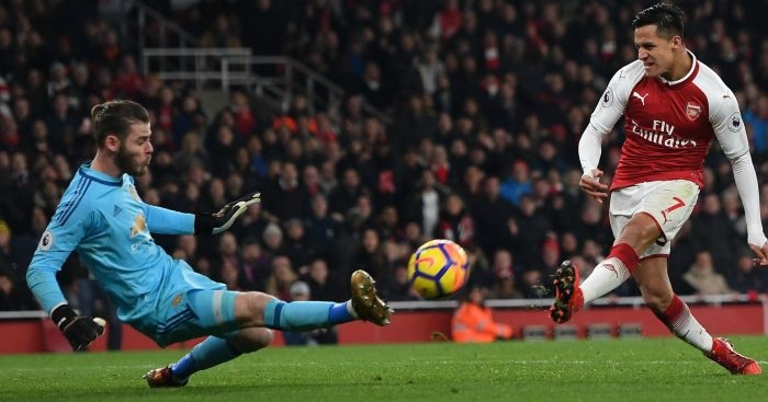 10-man United beats Arsenal in thriller