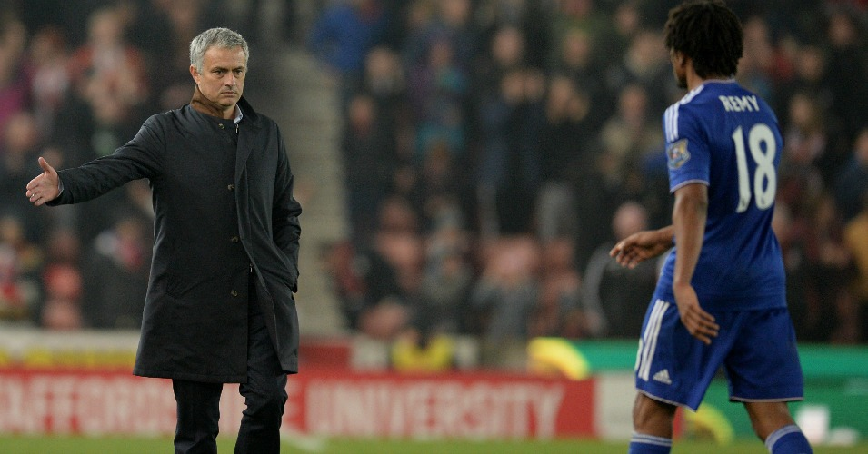Jose Mourinho Loic Remy Chelsea Football365