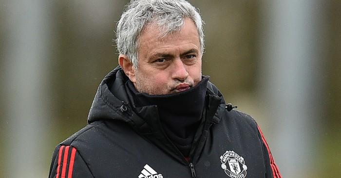 Scholes jumps at chance to stick Man Utd knife into Mourinho - Football365.com