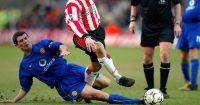 Roy Keane tackling