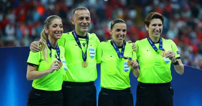 Stephanie Frappart Liverpool Chelsea UEFA Super Cup