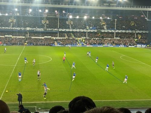 Everton Tactics in Defence 4 4 2 1 - Examining Everton's 'possession with purpose' tactics