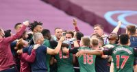 Aston Villa celebrate Roy Keane