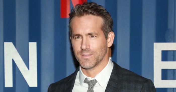 Ryan Reynolds and Rob McElhenney make shock Wrexham bid