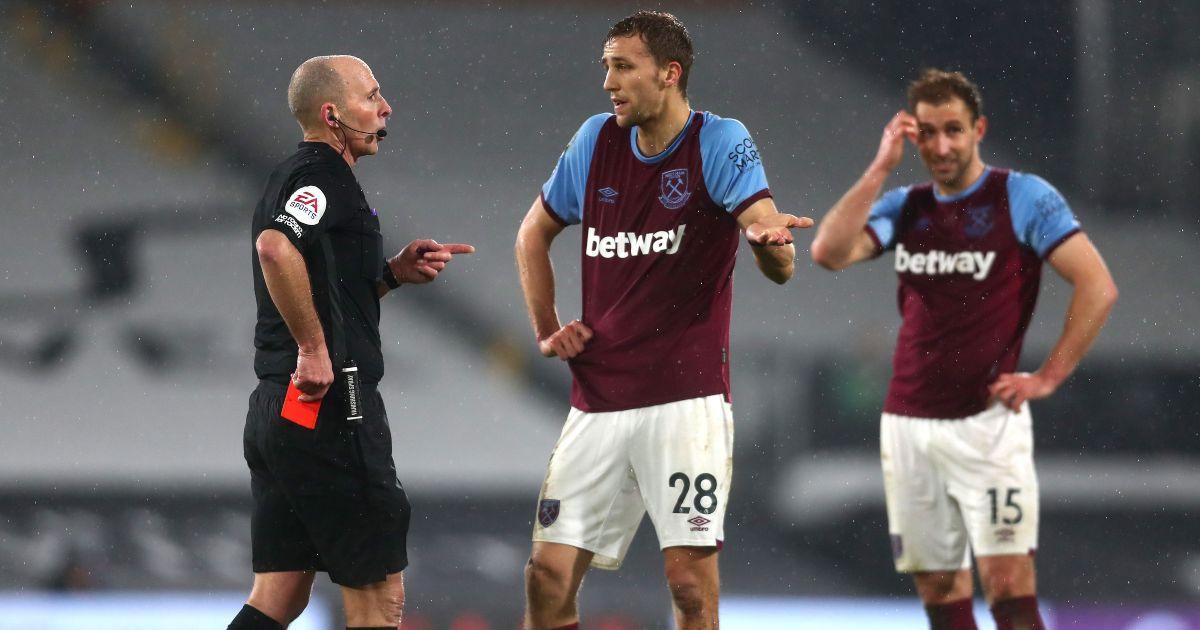 Mike Dean Tomas Soucek West Ham