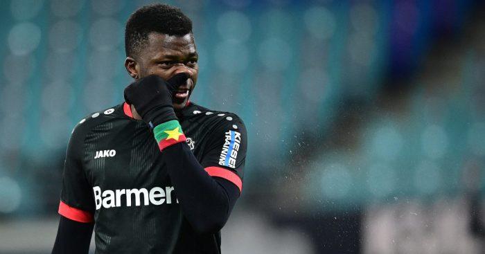 Edmond Tapsoba Bayer Leverkusen Man Utd