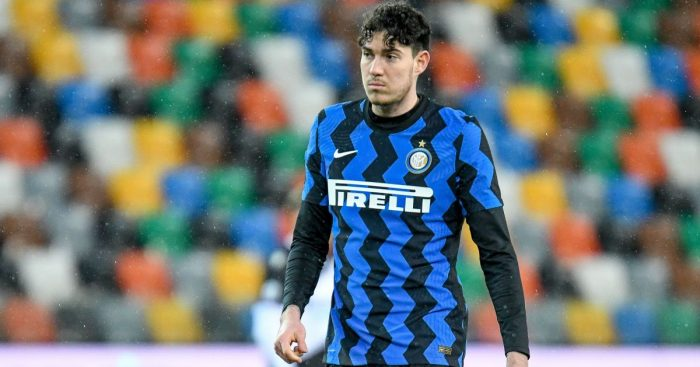 Alessandro Bastoni in action for Inter Milan