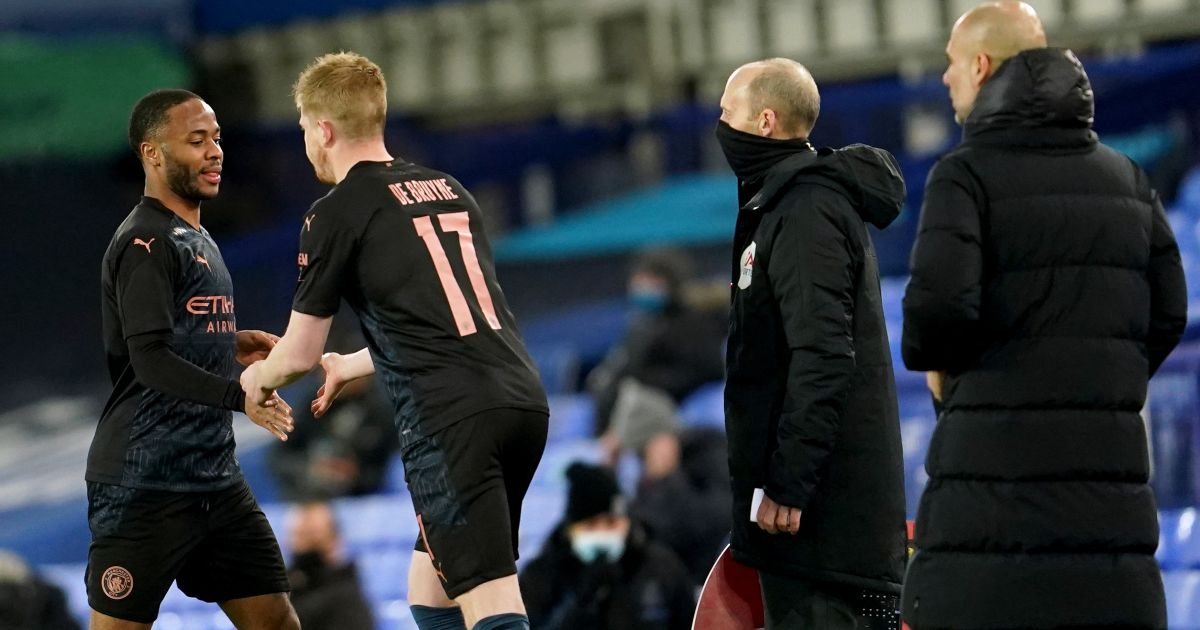Kevin De Bruyne replaces Raheem Sterling during Man City's win at Everton