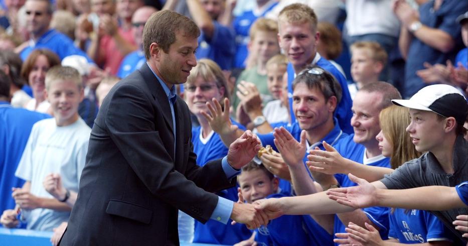 Roman Abramovich meets Chelsea fans
