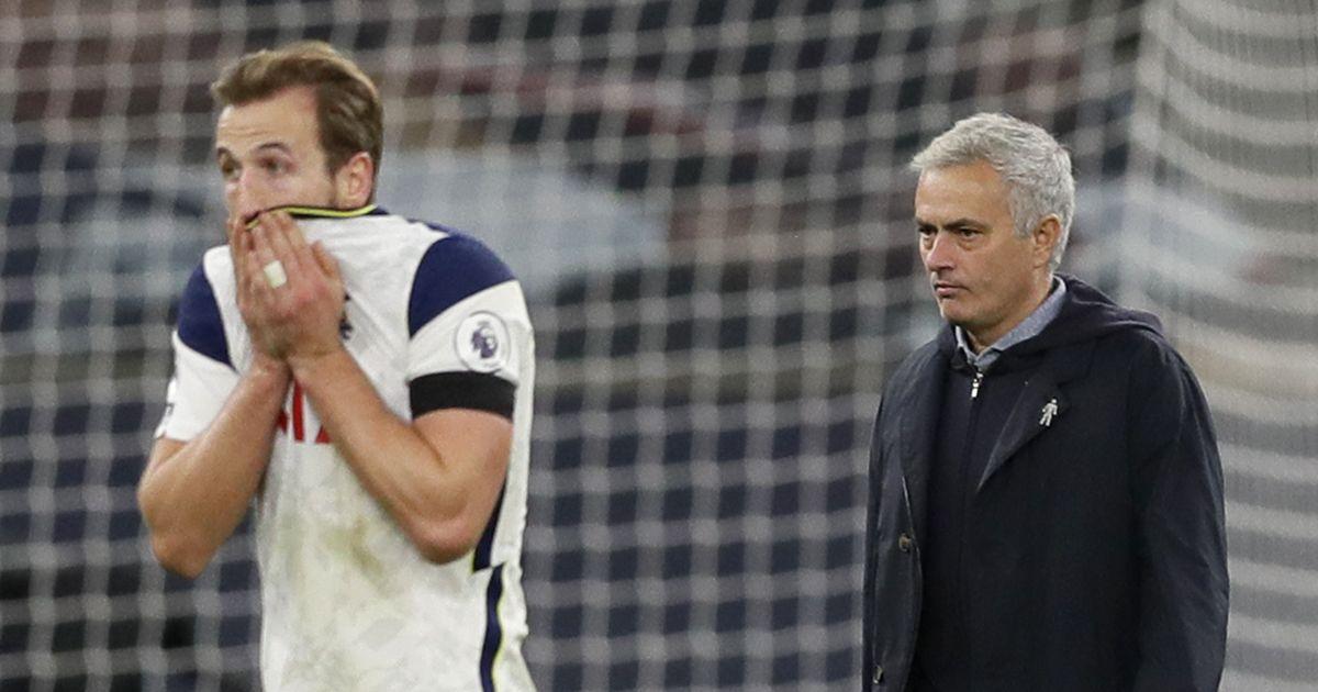 Harry Kane and Jose Mourinho walking