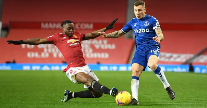 Aaron Wan-Bissaka tackles Lucas Digne during Man Utd's draw with Everton
