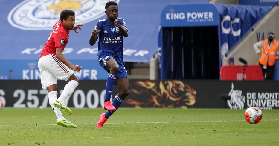 Jesse Lingard scores for Man Utd against Leicester