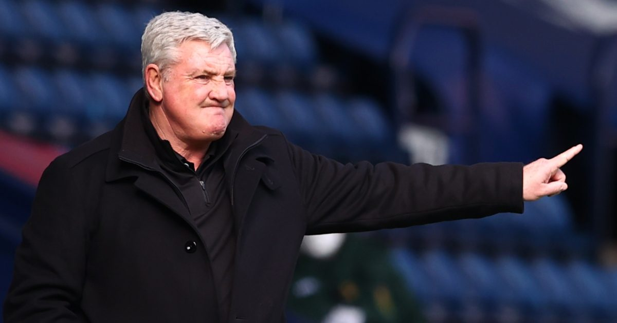 Steve Bruce Newcastle manager pointing