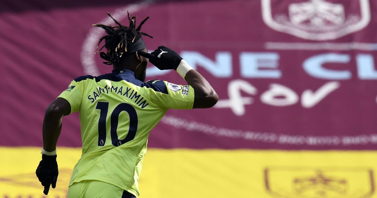 Saint-Maximin celebrates Newcastle