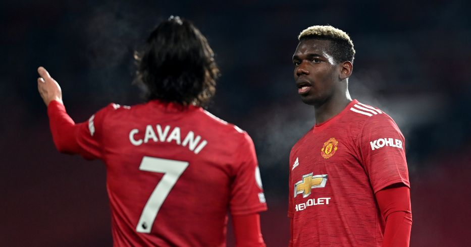 Edinson Cavani talks to Paul Pogba