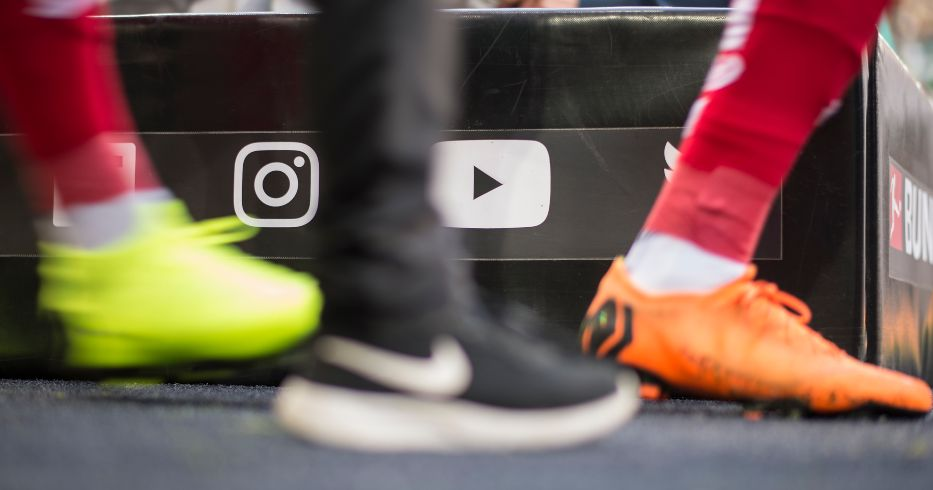 Social media icons football