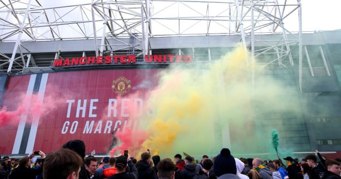 Manchester United fans protest