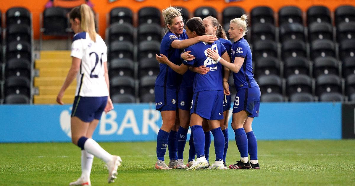 Hayes will treat WSL clash against Reading as a 'cup final'