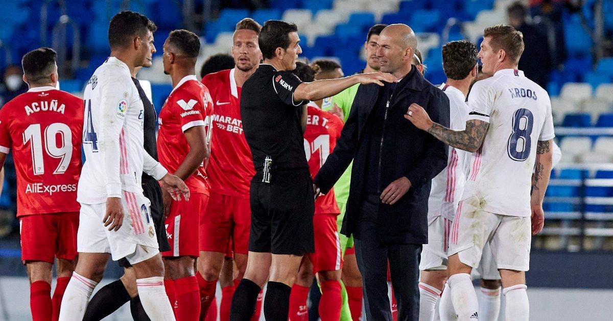 Zinedine-Zidane-referee-Real-Madrid-Sevilla