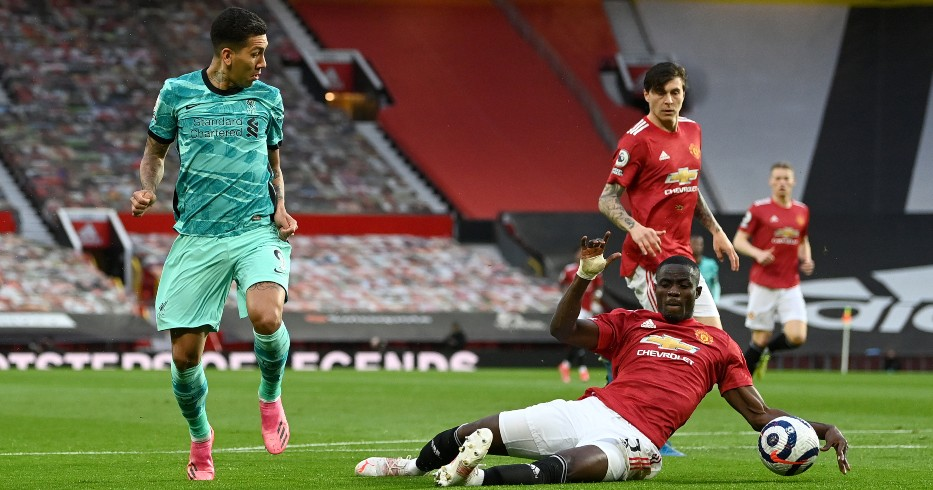 Roberto Firmino and Manchester United's Eric Bailly