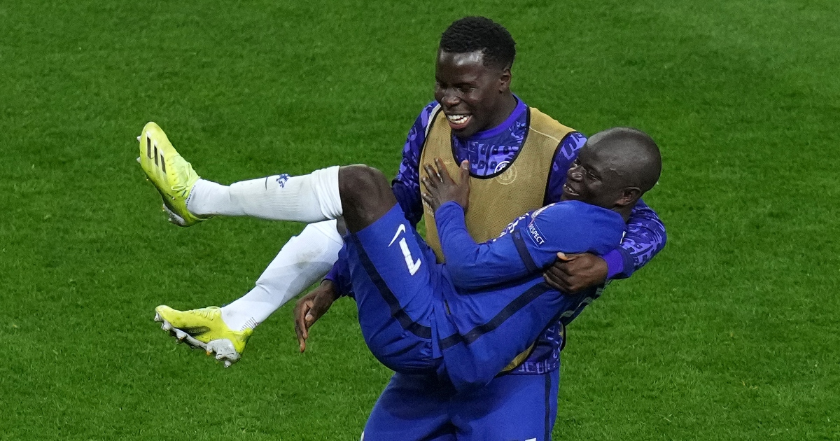 Chelsea star 'welcomes' Prem offer over Kounde swap