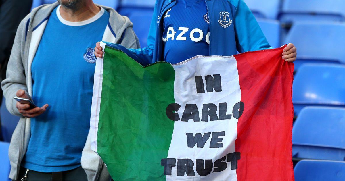 Carlo Ancelotti flag Everton