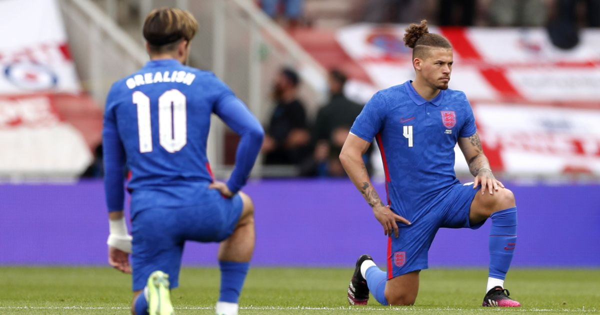 Jack-Grealish-Kalvin-Phillips-England-knee