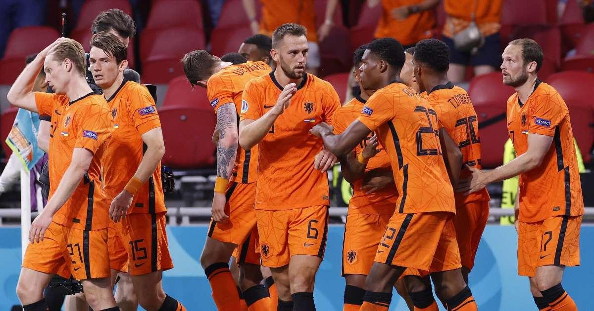 Netherlands 3-2 Ukraine: Dumfries grabs late winner