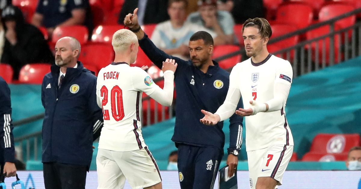 Wrighty 'embarrassed' after baffling Foden substitution