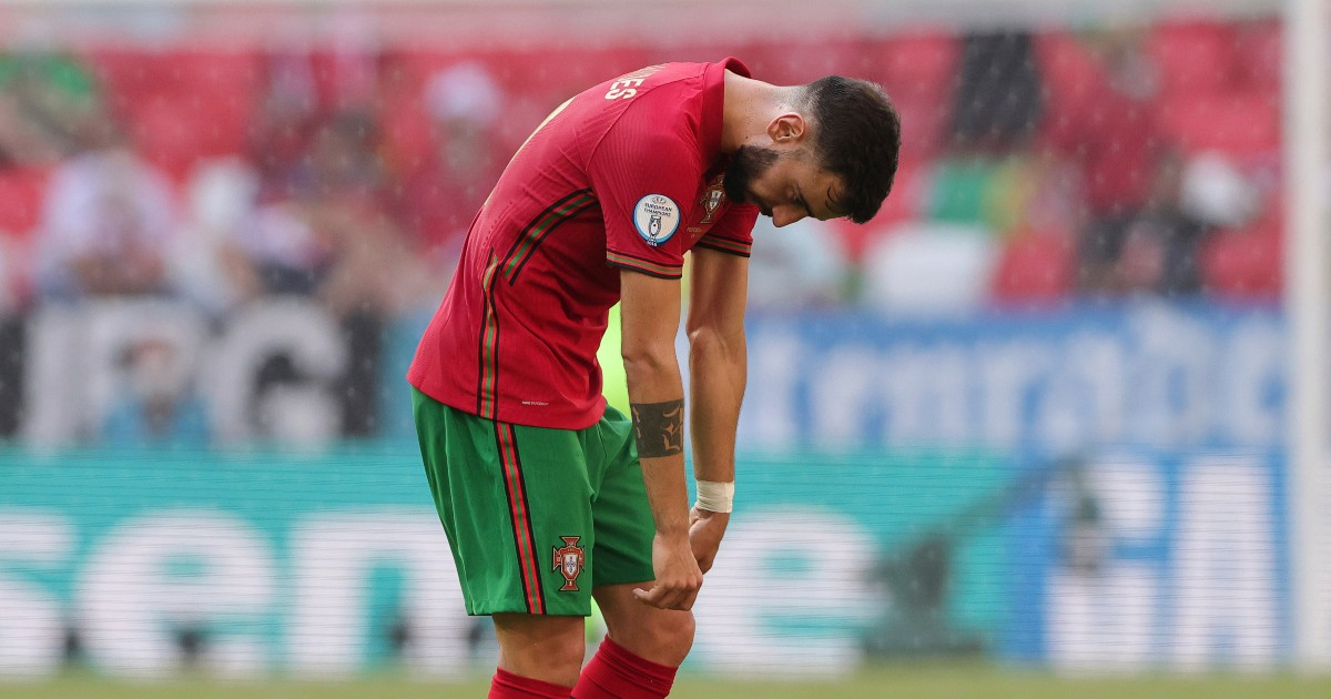 Mourinho slams Portugal star 'on pitch but not playing'