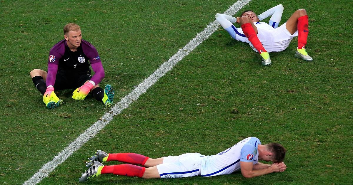 England players look dejected