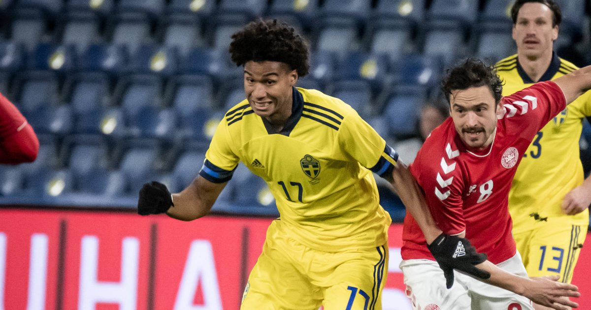 Four Prem clubs show 'concrete interest' in Midtjylland midfielder thumbnail