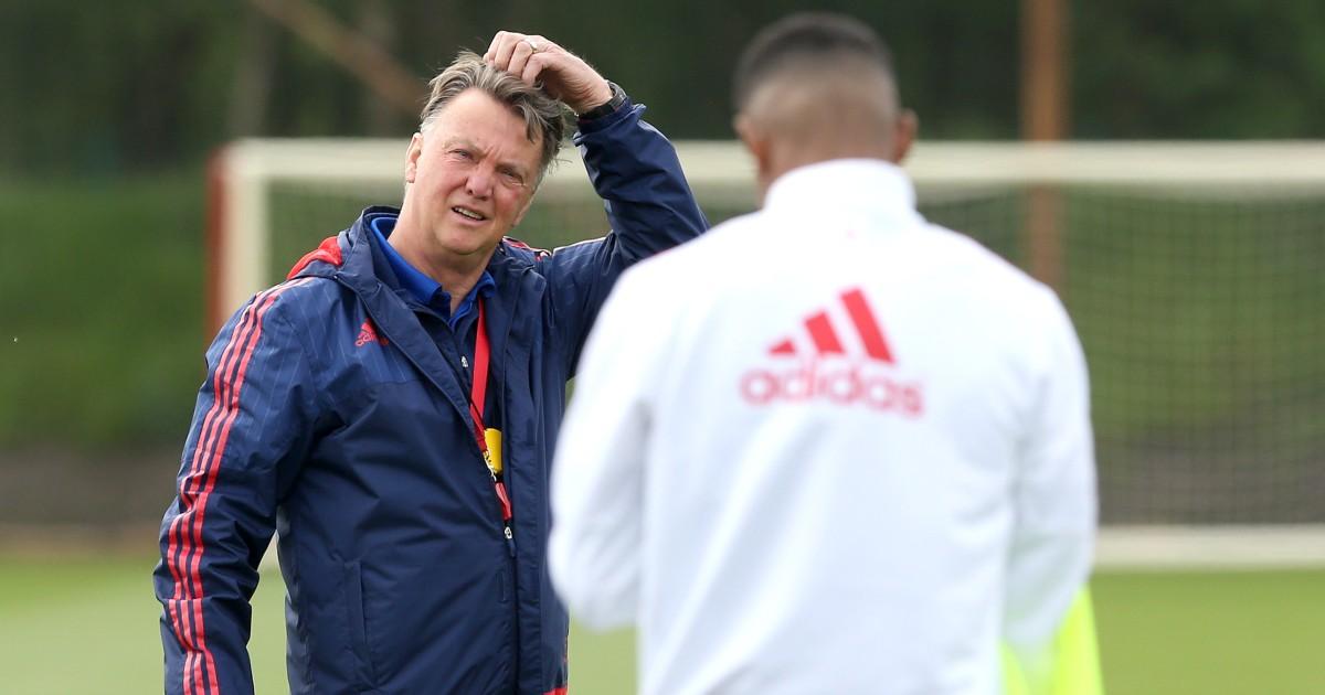 Van Gaal and Rafael da Silva reignite Manchester United feud - Football365