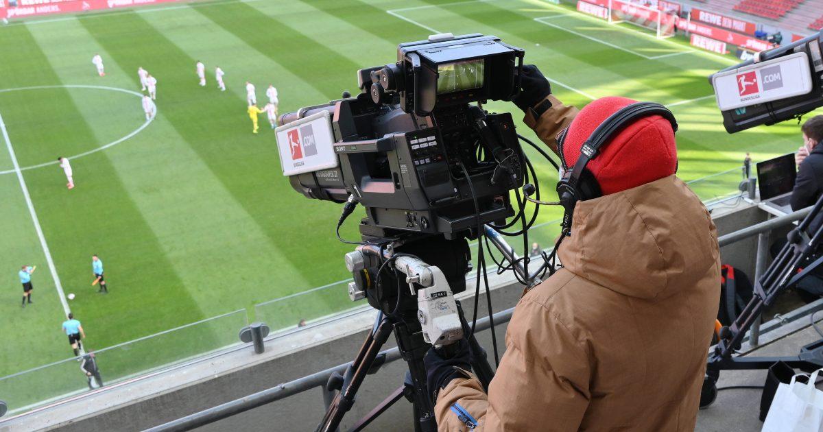 TV-camera-football