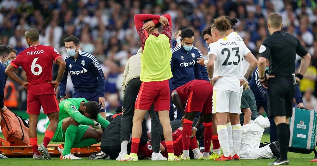 Liverpool players react to Harvey Elliott injury at Leeds