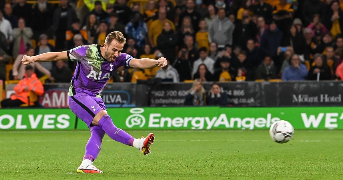 Harry Kane scoring a penalty