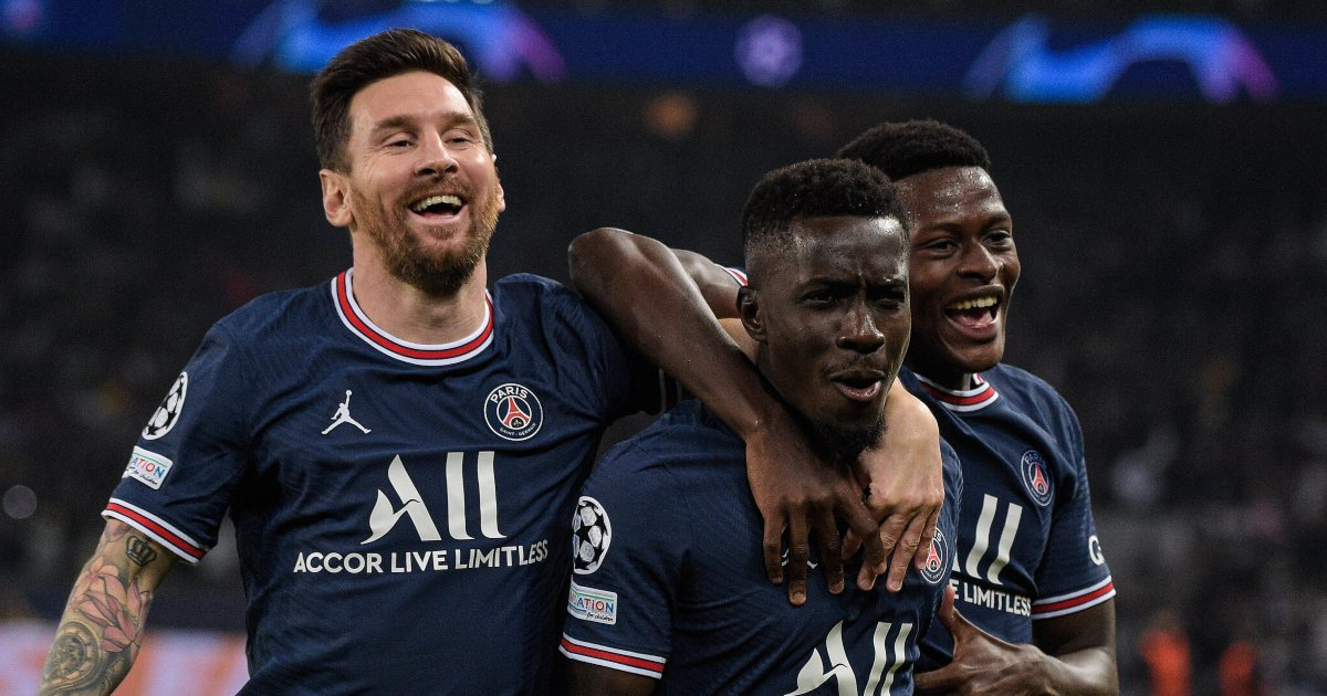 Lionel Messi and Idrissa Gueye playing for PSG