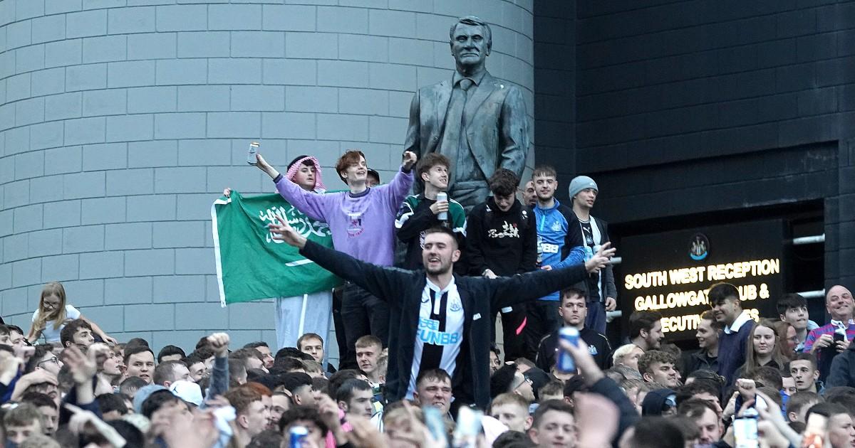 Newcastle supporters celebrate