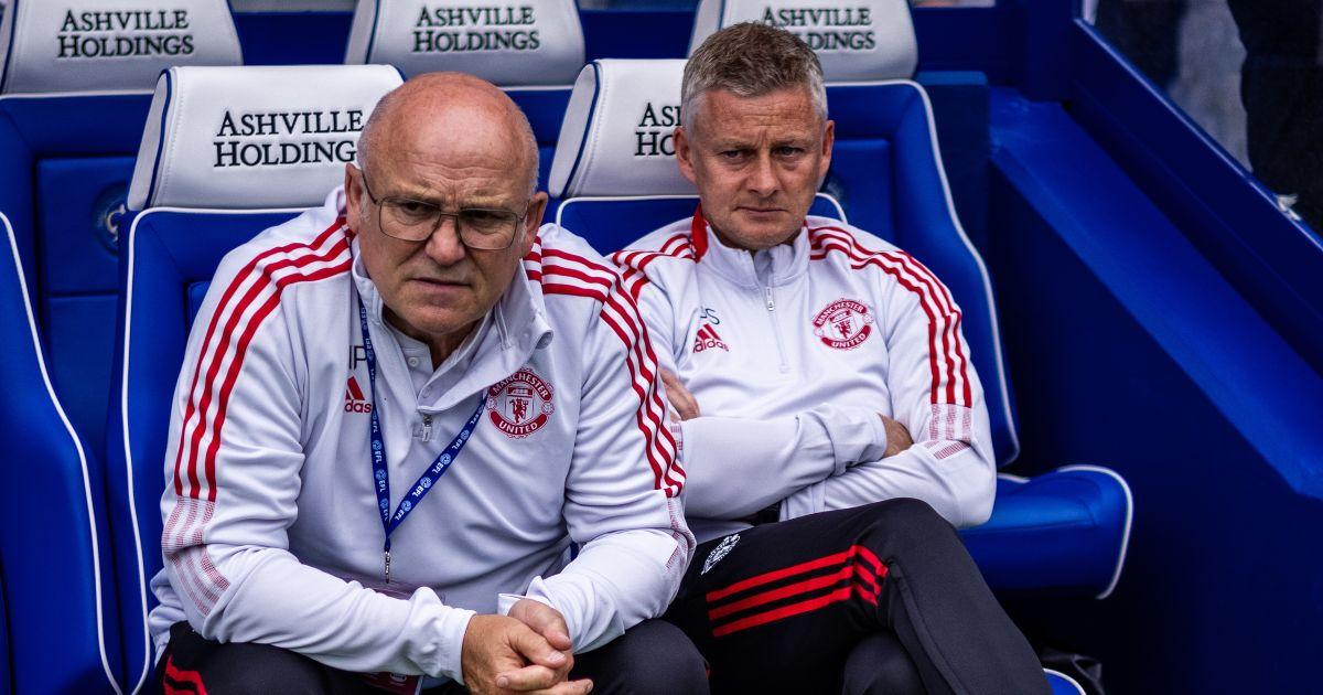 Man Utd boss Ole Gunnar Solskjaer sits next to Mike Phelan