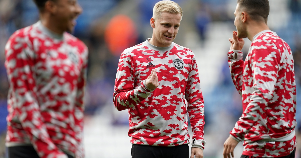 'He needs to go' - Van de Beek told to leave by Neville after Leicester defeat